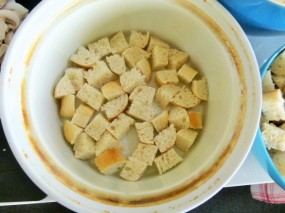 MissFoodFairy's 1st layer bread cubes