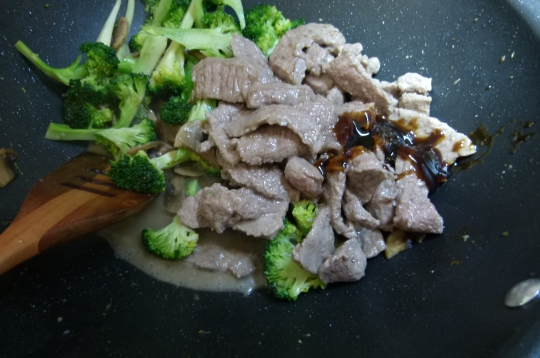 MissFoodFairy's all back in the wok beef&broccoli stirfry