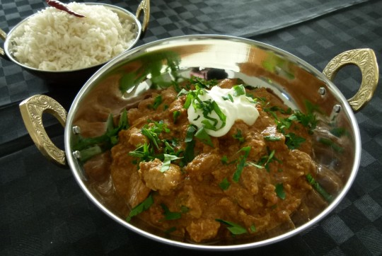 MissFoodFairy's butter chicken in serving dishes