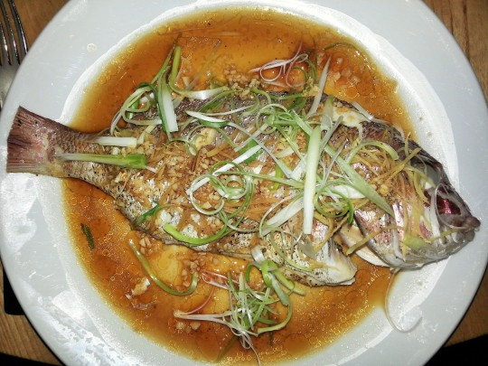 MissFoodFairy's husbands main Whole steamed Snapper at Bannisters