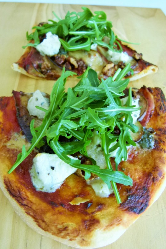 MissFoodFairy's prosciutto, blue cheese, pear, walnut & rocket pizza