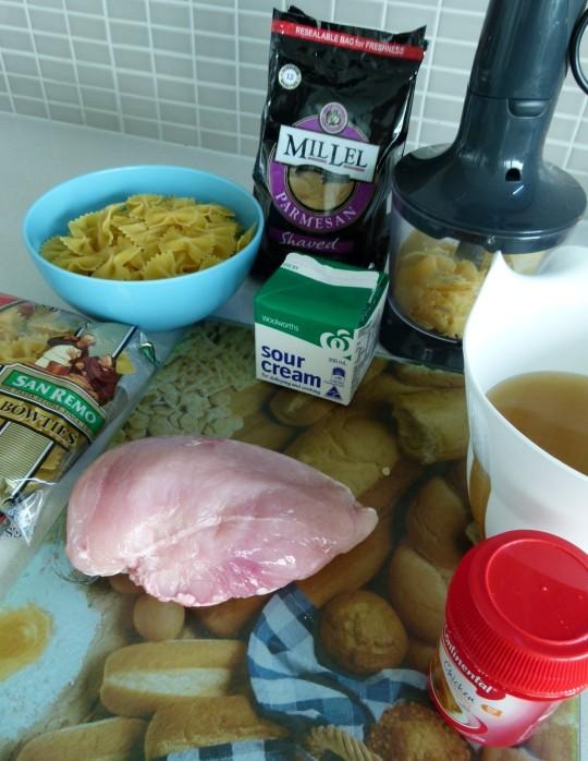 MissFoodFairy's One-pot pesto chicken pasta ingredients