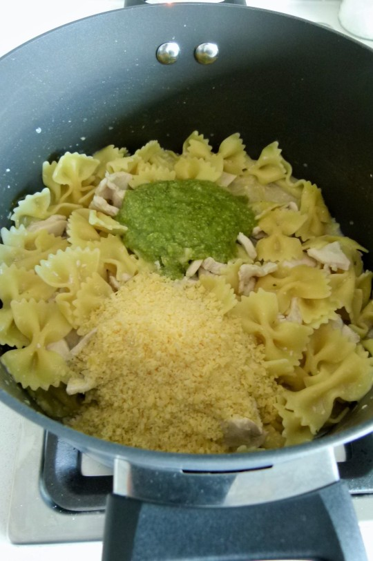 MissFoodFairy's One-pot pesto chicken pasta with added parmesan & pesto