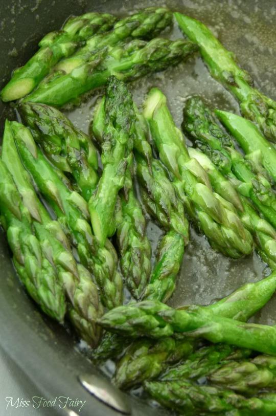 a.MissFoodFairy's sauteed asparagus heads