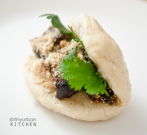 Tiny Urban Kitchen traditional pork belly buns recipe