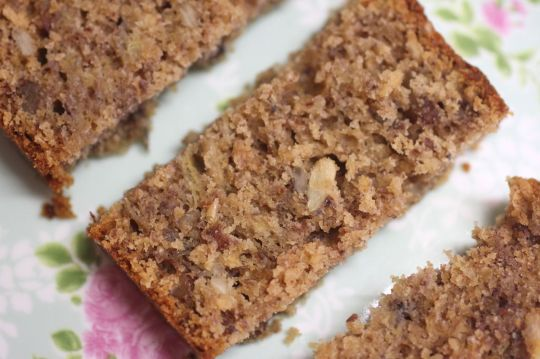 Healthy banana bread by Green Gourmet Giraffe