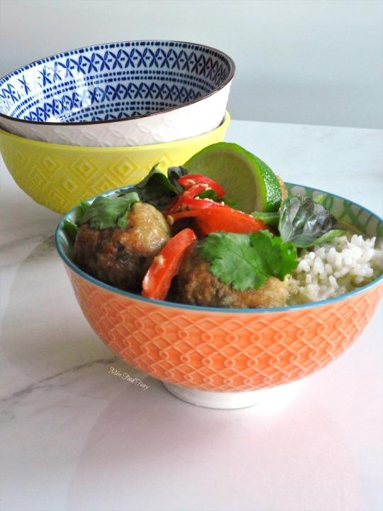 thai-meatball-green-curry-8-missfoodfairy