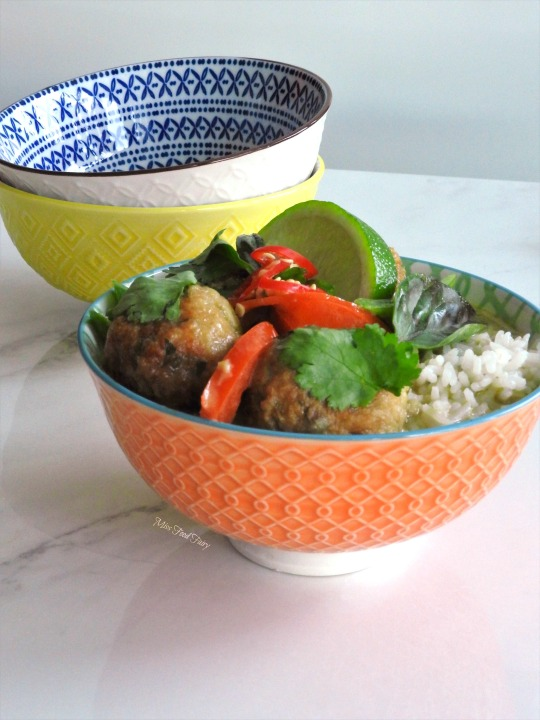 thai-meatball-green-curry-8-missfoodfairy