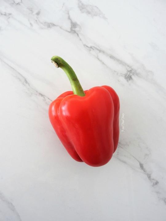 slicing-capsicum-1-missfoodfairy