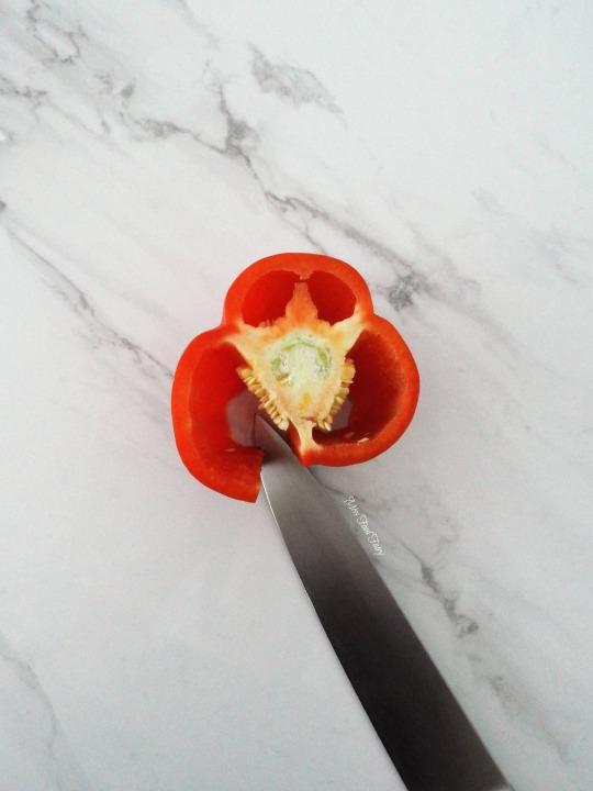 slicing-capsicum-3-missfoodfairy