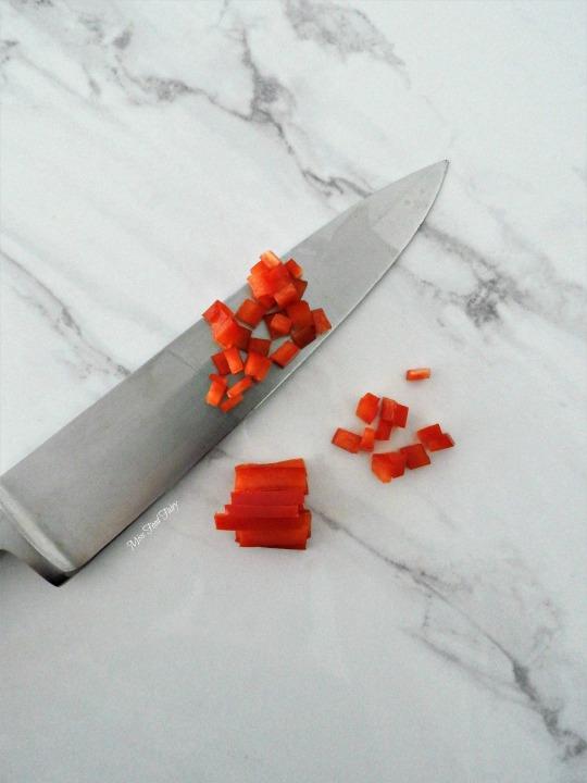 slicing-capsicum-8-missfoodfairy