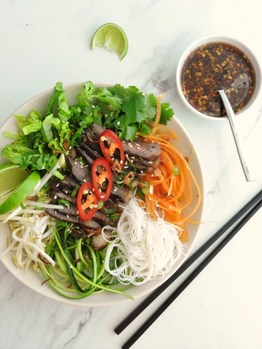 asian-beef-noodle-salad-bowls-7-missfoodfairy