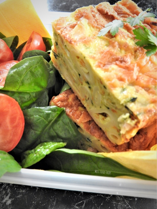 Cheesy pasta zucchini slice